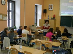 Zuzana Šepsová s žáky při hodině
