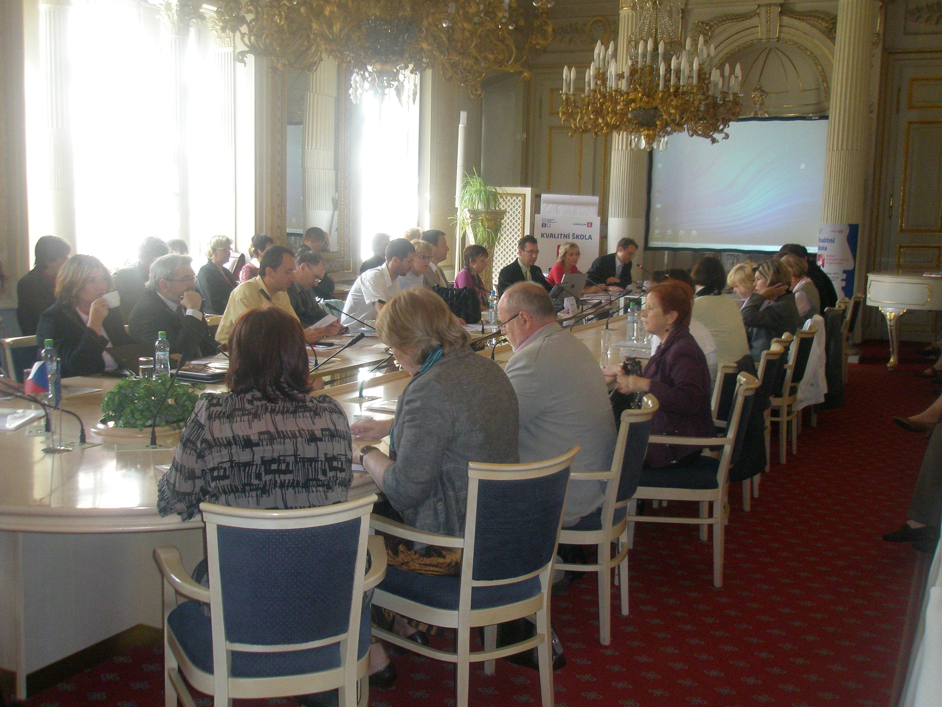 účastníci diskuze