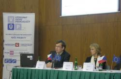 doc. Tomáš Janík, manažer aktivity Kvalitní škola, a dr. Stanislava Krčková, ředitelka Výzkumného ústavu pedagogického v Praze